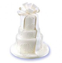 Simple Elegance Cake by Red Ribbon